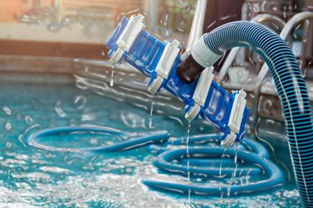 medencék porszívózás tisztítás