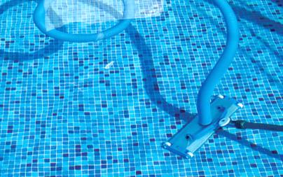 medence tisztítás karbantartás